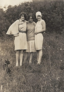 1920s.ladies.photo.librarian