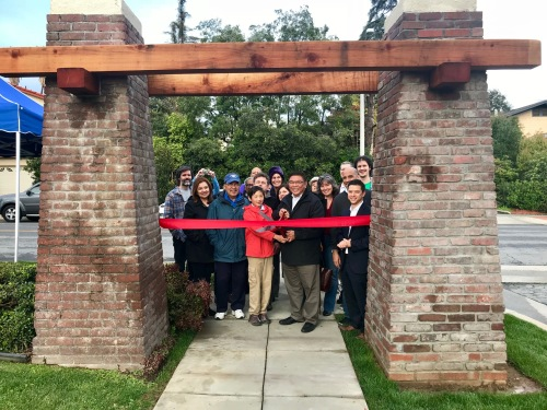 Lindaraxa Park Pillars Ribbon Cutting