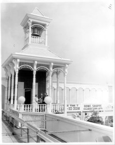Crawfords.Corner.1964.Yocum.Opening